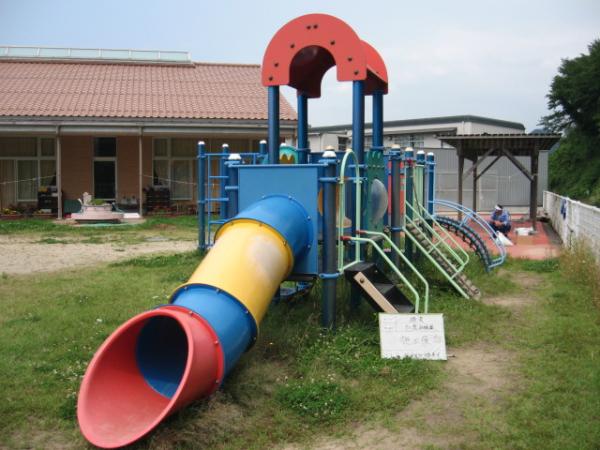 加茂幼稚園 全体塗装後