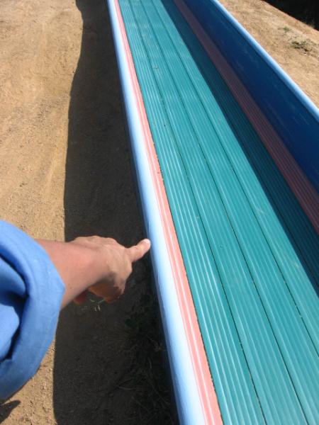 島根県大東保育園 滑り台 枠 塗装後